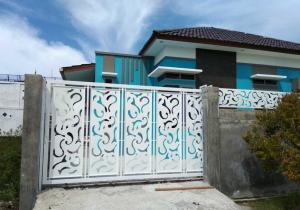 contoh konsep pagar minimalis yang megah